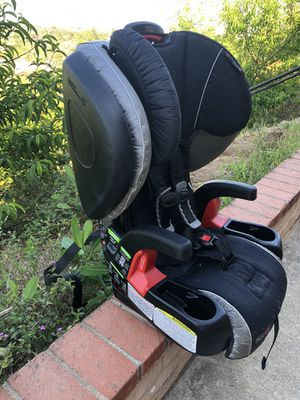 BRITAX Pinnacle ClickTight Harness-2-Booster Car Seat for Sale in Escondido, CA