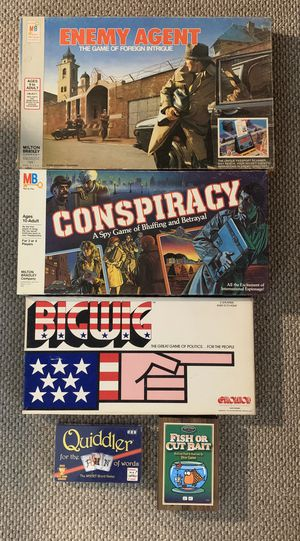 Lot of 5 Card and Board games Bigwig Conspiracy Enemy Agent Quiddler Fish and Cut Bait for Sale in San Diego, CA