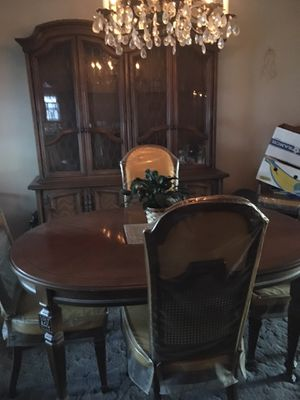 Lovely Dining Set for Sale in Secaucus, NJ