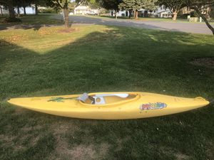 Pyranha Stunt 300 Kayak for Sale in Silver Spring, PA