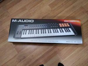 M-AUDIO OXIGEN 49 for Sale in Falls Church, VA