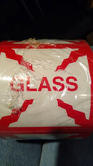 "U-line 4 x 4 labels ""GLASS"" roll or ""FRAGILE"" roll for Sale in Artesia, CA"