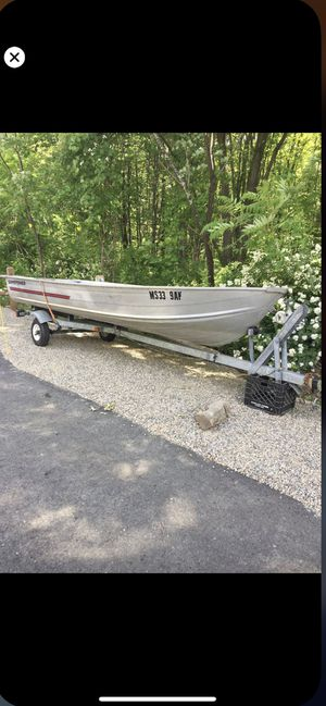1995 14' Aluminum boat and trailer for Sale in Haverhill, MA