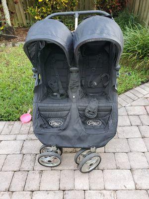 Double stroller city mini for Sale in Pembroke Pines, FL