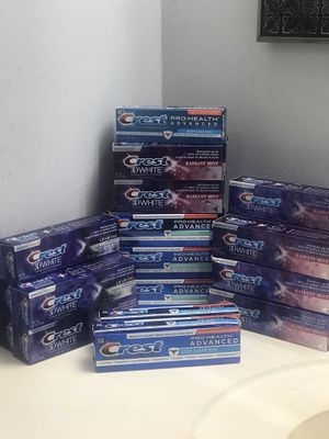 Crest toothpaste 👇👇👇👇👇👇 for Sale in Lauderhill, FL