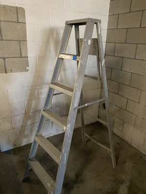 6' aluminum ladder for Sale in Long Beach, CA
