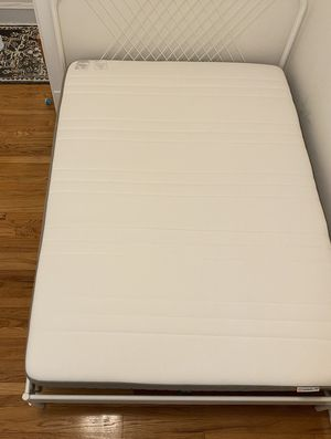 Free Mattress barely used! Edgewater, today only, you pick up. for Sale in Chicago, IL