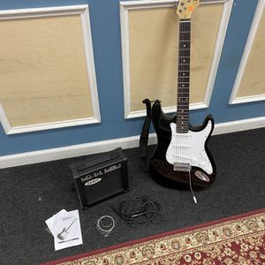 Zeny Electric Guitar & Amplifier With Soft Case for Sale in Seymour, CT