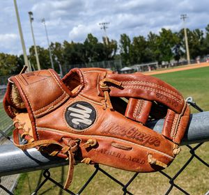 Vintage Gary Carter MG10 RHT MacGregor youth baseball glove. Custom built from Steerhide Leather for Sale in Orange City, FL
