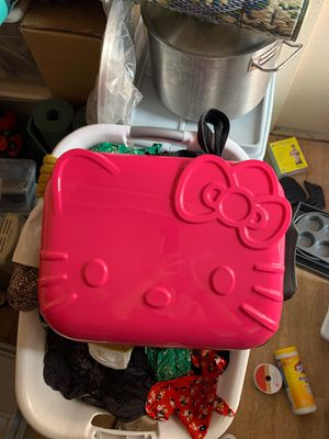 Hello kitty mini luggage for Sale in undefined