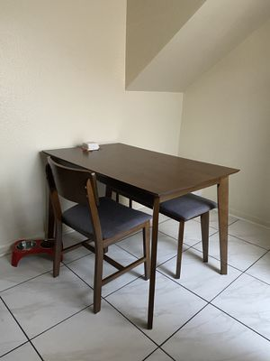Kitchen Table for Sale in Bakersfield, CA