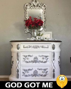 Entry table with mirror for Sale in Phoenix, AZ