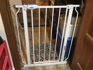 Regalo Extra tall metal walk-through in fin safety gate pet dog gate baby swing gate white metal 29 inches to 38.5 wide , 36 inches high for Sale in Coral Springs, FL