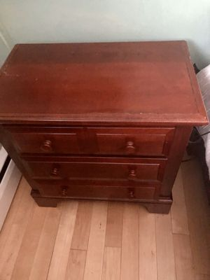 2-drawer nightstand for Sale in Negaunee, MI