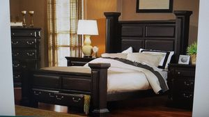 Gorgeous King Bedroom Set for Sale in Bakersfield, CA