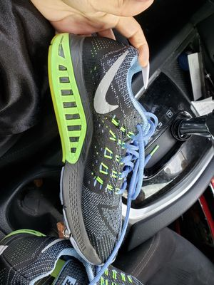 Nike women's running shoes for Sale in Watauga, TX