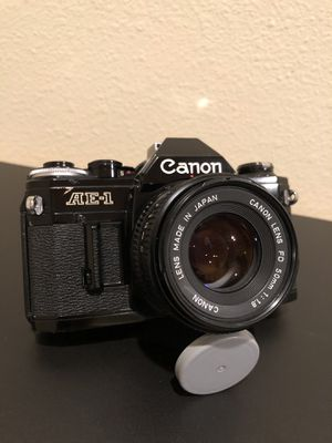 Canon AE-1 Black 35mm SLR Vintage Analog Film Camera for Sale in Bell Gardens, CA