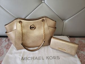 Michael Kors Jet Set Travel Med Chain Shoulder Tote Bag With Wallet💯AUTHENTIC👌 for Sale in San Diego, CA