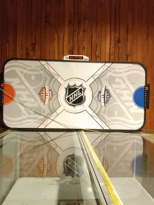 AIR HOCKEY TABLE W/O PUCK OR PADDLES for Sale in Seattle, WA