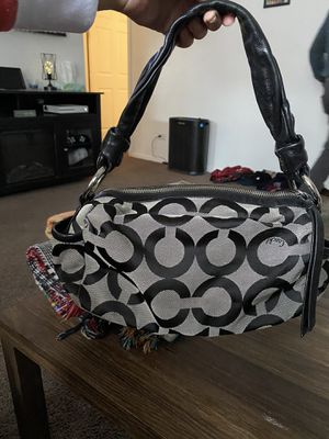 Coach purse for Sale in Twin Lakes, WI