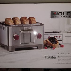"""WOLF GOURMET """"Four Slice Toaster"""" for Sale in Logan Township, NJ"""