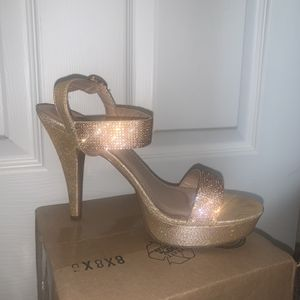 Rose Gold Heels Size 9 for Sale in Philadelphia, PA