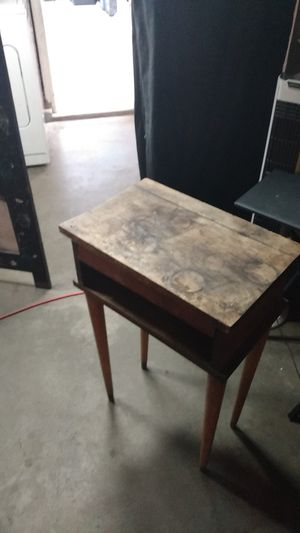 Antique end table for Sale in Norwalk, CA