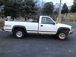 1998 Chevy 2500 4x4 pickup for Sale in Glen Cove, NY