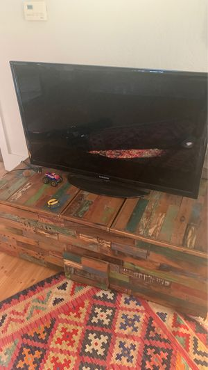 40 inch Samsung TV works, flexible for Sale in San Diego, CA