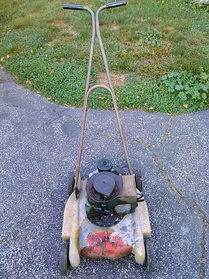 Penn acco lawn mower for Sale in Cleveland, OH