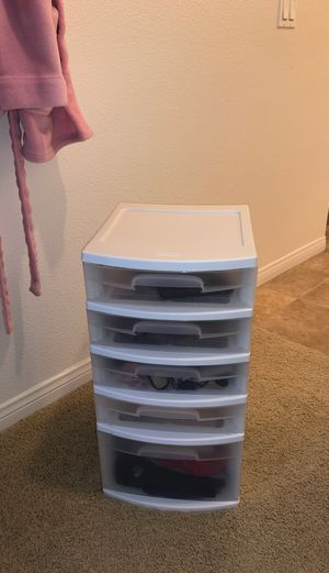 5 Sterilite plastic Drawers for Sale in Irvine, CA