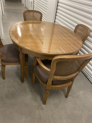 4 Chair Expandable to 8 Dining Table for Sale in Surprise, AZ