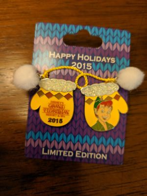 Disney happy holidays 2015 limited edition of 5000 Grand Floridian resort featuring Peter pan mitten series for Sale in Glendale, AZ