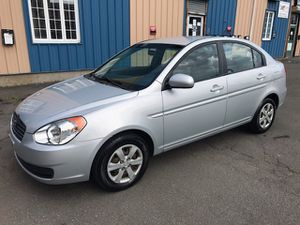 Hyundai accent 2010 for Sale in Hartford, CT