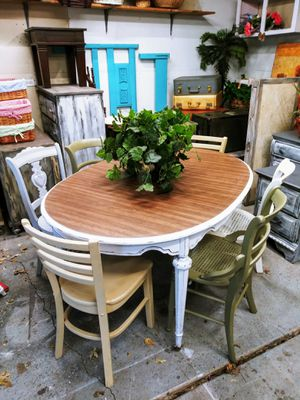 Farmhouse Distressed Kitchen Table + Leaf & 6 Multicolor Antique Chairs! Antique Classic Victorian Style with White! for Sale in Joliet, IL