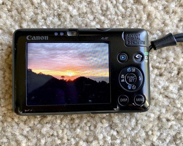 Canon PowerShot SD780IS 12.1 MP Digital Camera