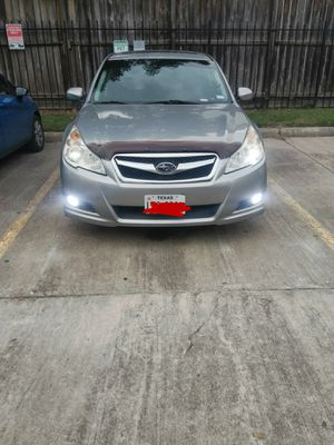 4 cylinder Subaru legacy for Sale in Houston, TX
