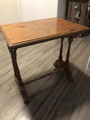 Wood end table desk small wood table for Sale in Chula Vista, CA