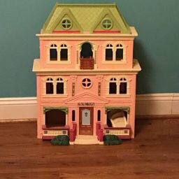 Expandable Doll House for Sale in Burke, VA