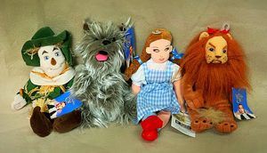 Wizard of Oz Warner Brothers Beanie Baby (Set of 11) for Sale in Hereford, MD