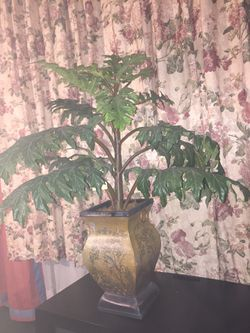Fake plant in a nice metal pot for Sale in Haines City,  FL