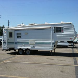 Sunnybrook 5th wheel camper for Sale in Los Angeles, CA