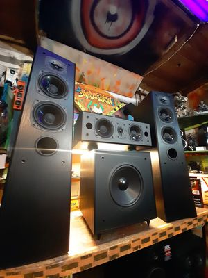 Surround sound epic front startup speaker and sub pack for Sale in Auburn, WA