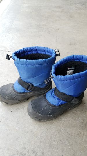 Used Snow boots size 3 big kid for Sale in Everett, WA