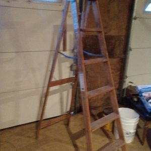 Wood Ladder for Sale in Oregon City, OR