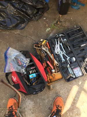 Bag with all tools pictured for Sale in Gresham, OR