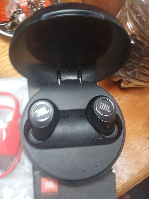 "JBL ""Free"" wireless Bluetooth earbuds"