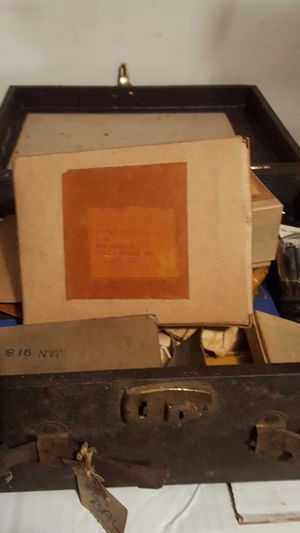 box of bell &Howell bulbs from 40s +50s for Sale in Haymarket, VA