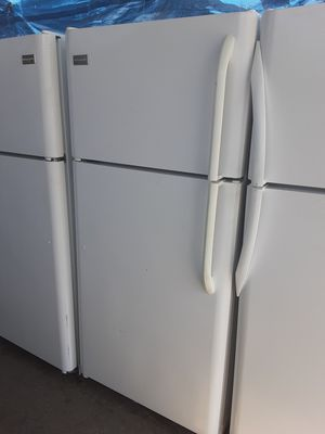$265 Frigidaire white 18 cubic fridge includes delivery in the San Fernando Valley a warranty and installation for Sale in Los Angeles, CA