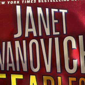 15 Janet Evanovich Books for Sale in Sterling Heights, MI
